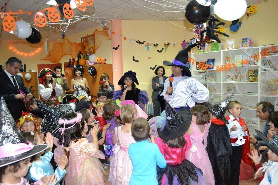 idei petrecere halloween: decorațiuni, costume, accesorii și jocuri