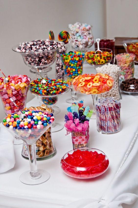 cate feluri de dulciuri la un candy bar