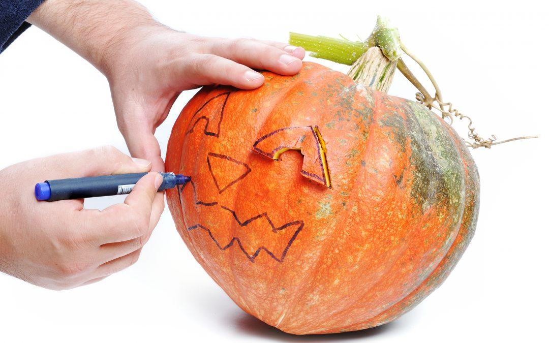 Cum Decorezi un Dovleac de Halloween in 5 pasi simpli