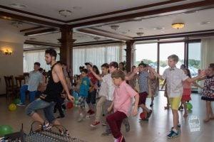 spectacol de street dance la banchetul scolar