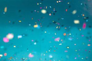 tunuri de confetti la banchet