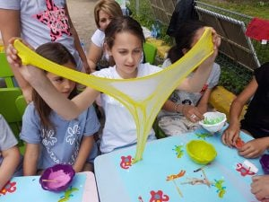 atelier slime petrecere copii