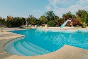 idei petreceri la piscina copii